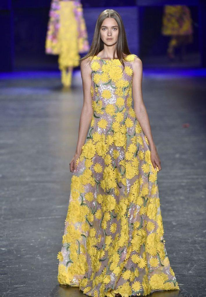 فستان ذهبي واصفر