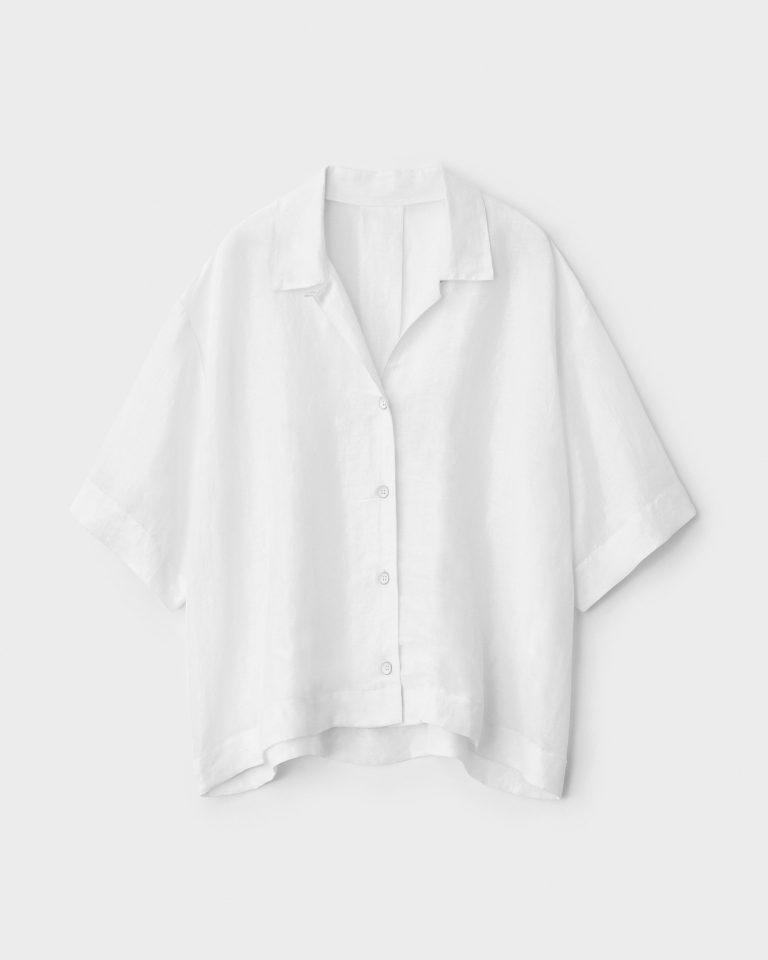 قميص أبيض نصف كم